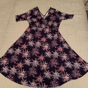Short sleeve maternity dress NWT